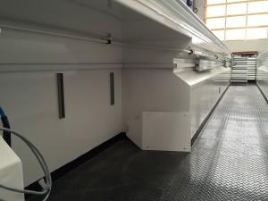 Niche pour stockage matériel et enrouleur d'huiles et graisse en fosse préfabriquée acier